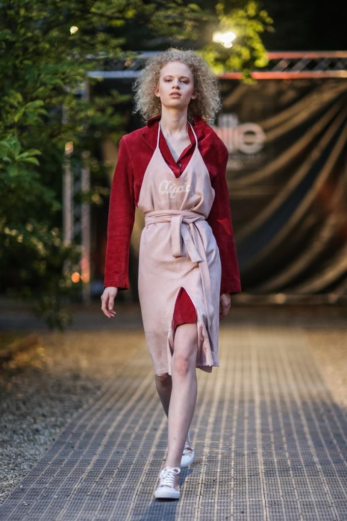 antonia wins elite model  austria  elite model