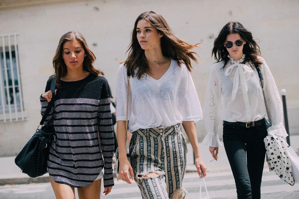Girls' Model Street Style At Paris Fashion Week Spring Summer 2019